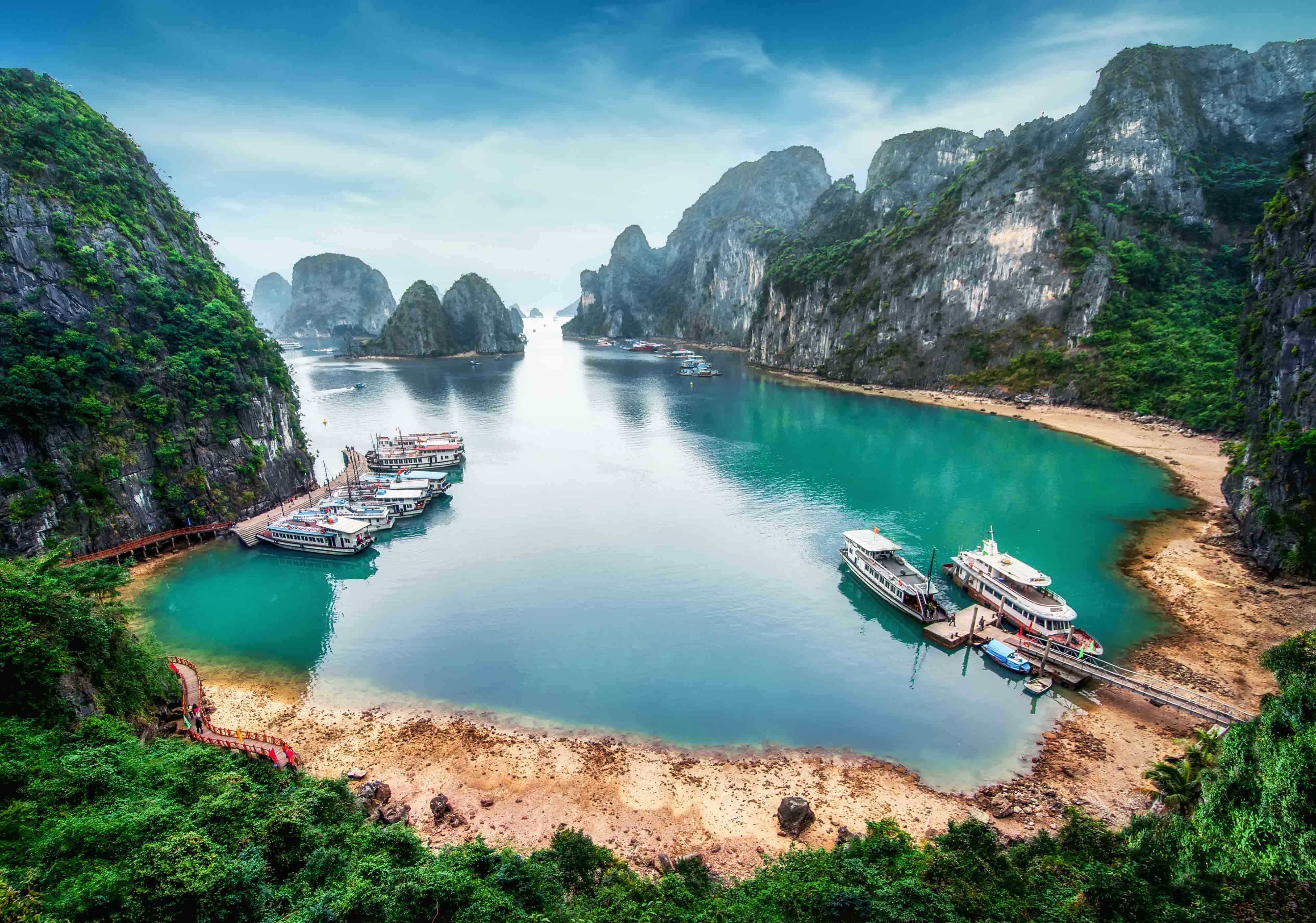 A COMPLETE GUIDE TO HA LONG BAY
