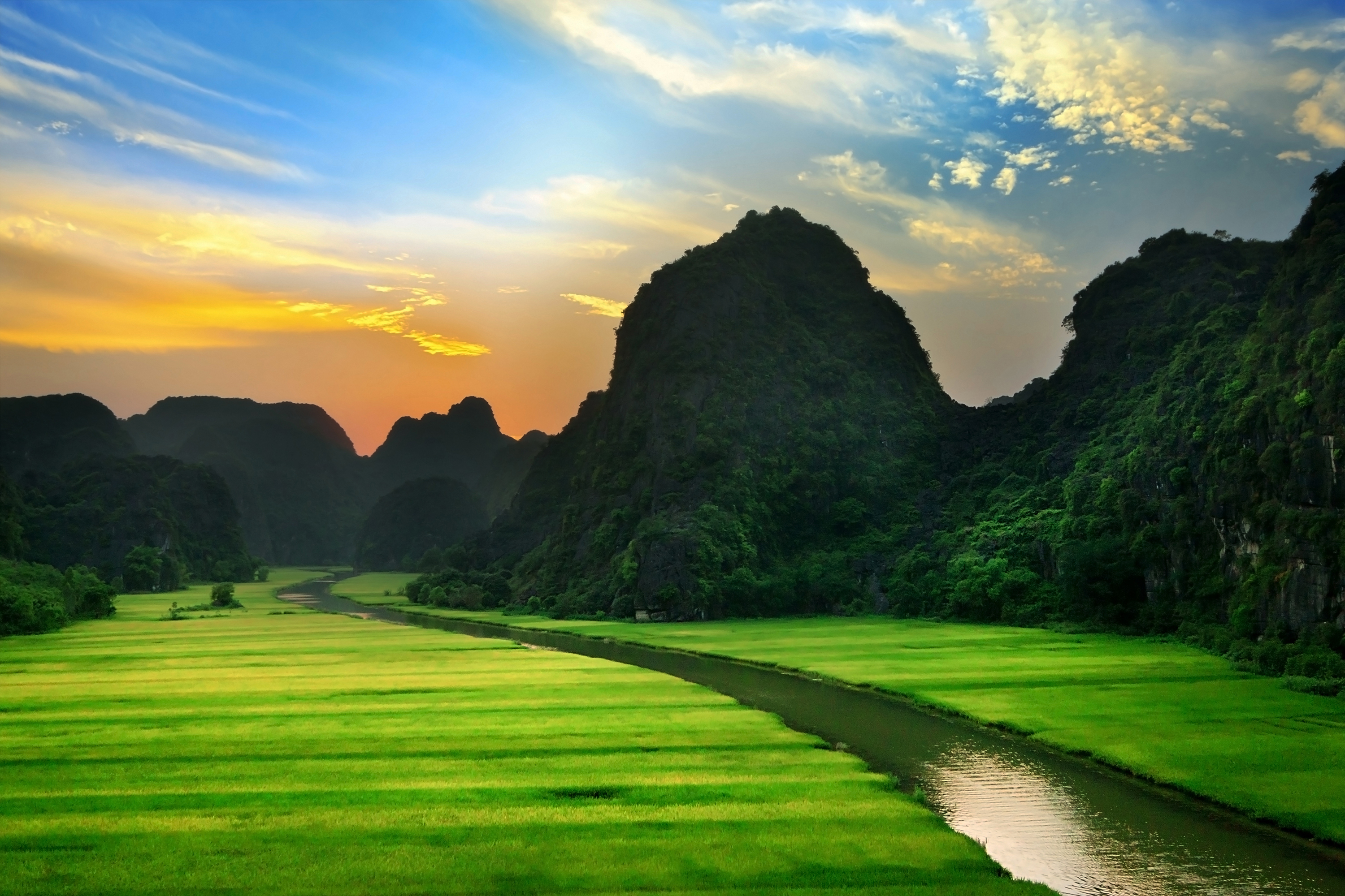 DISCOVER THE HIGHLIGHTS OF NINH BINH