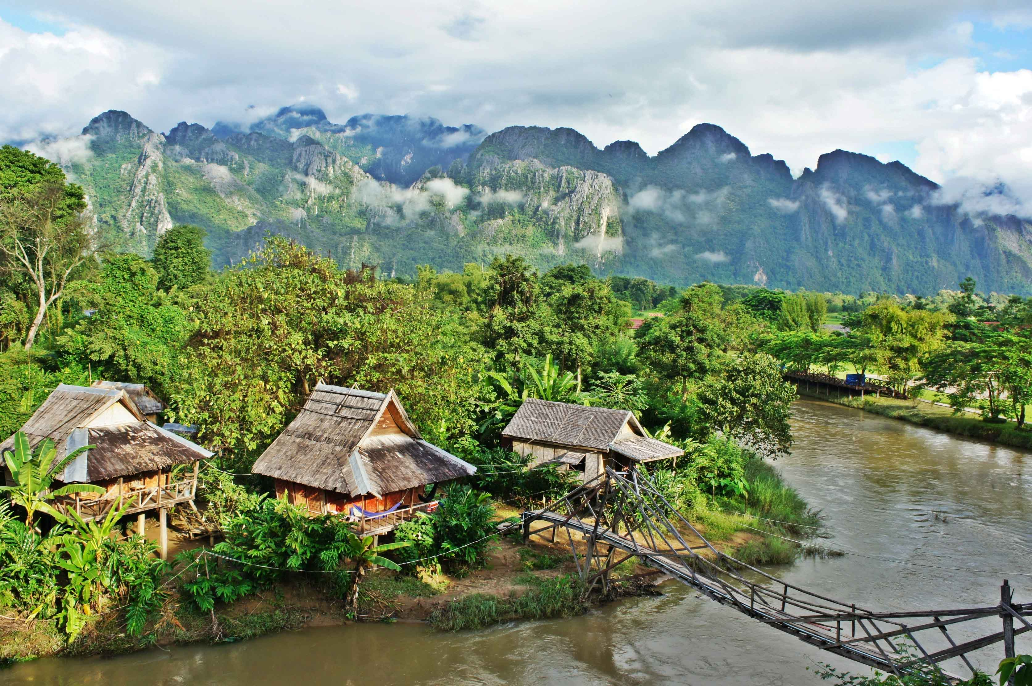 VISIT VANG VIENG – THE PARTY CAPITAL OF SOUTH-EAST ASIA