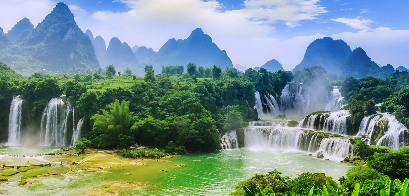 A JAUNT TO BAN GIOC – WORLD`S FOURTH LARGEST FALLS
