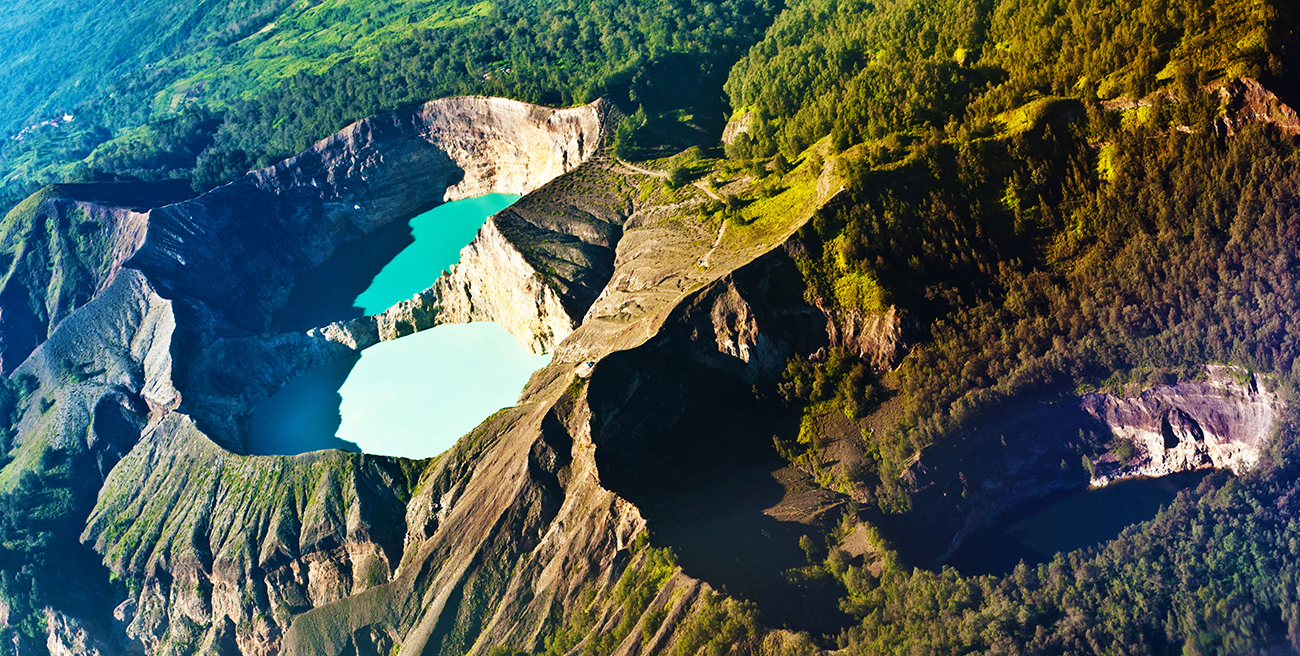 FINDING THE TRI-COLOURED CRATERS IN FLORES