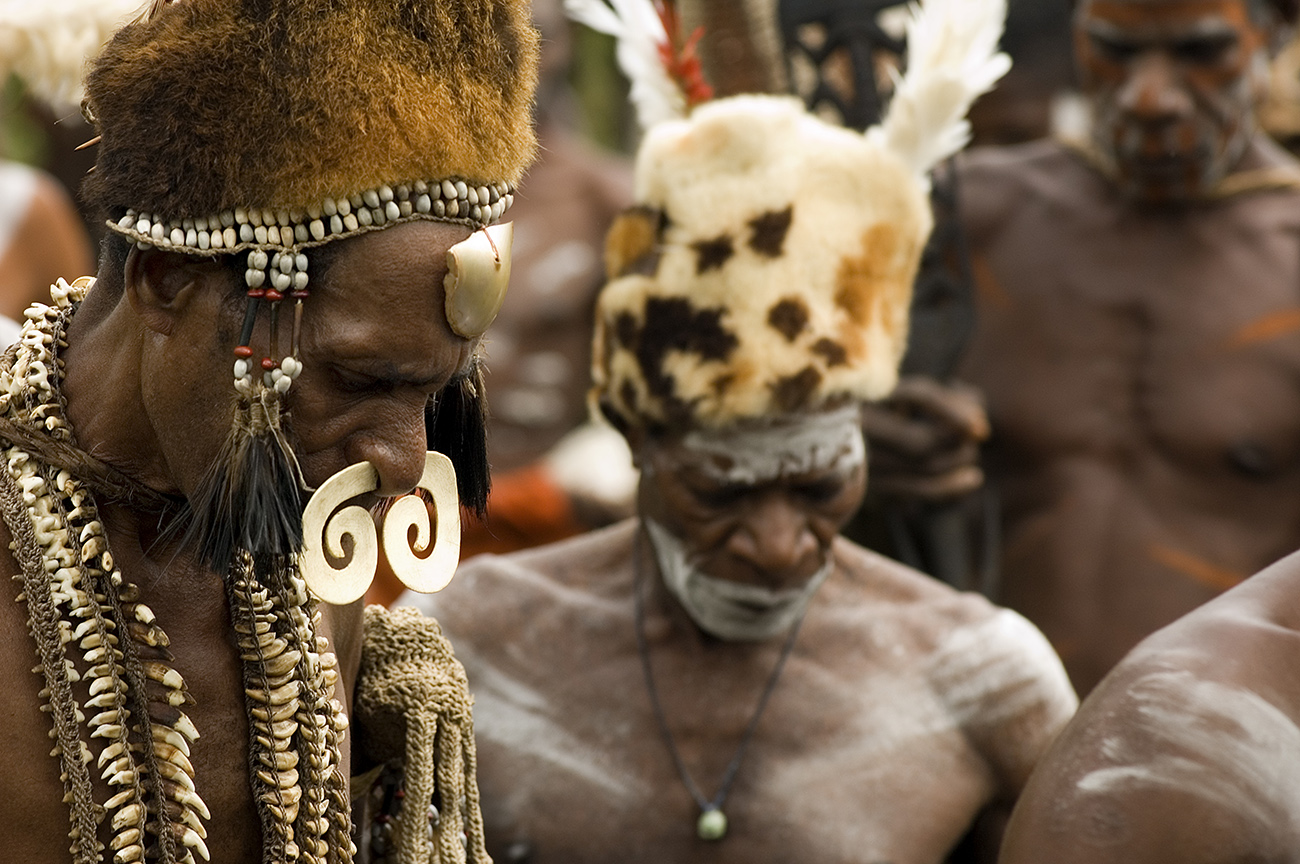 VISIT THE TRIBES OF WEST PAPUA (BEYOND ECO-TOURISM)