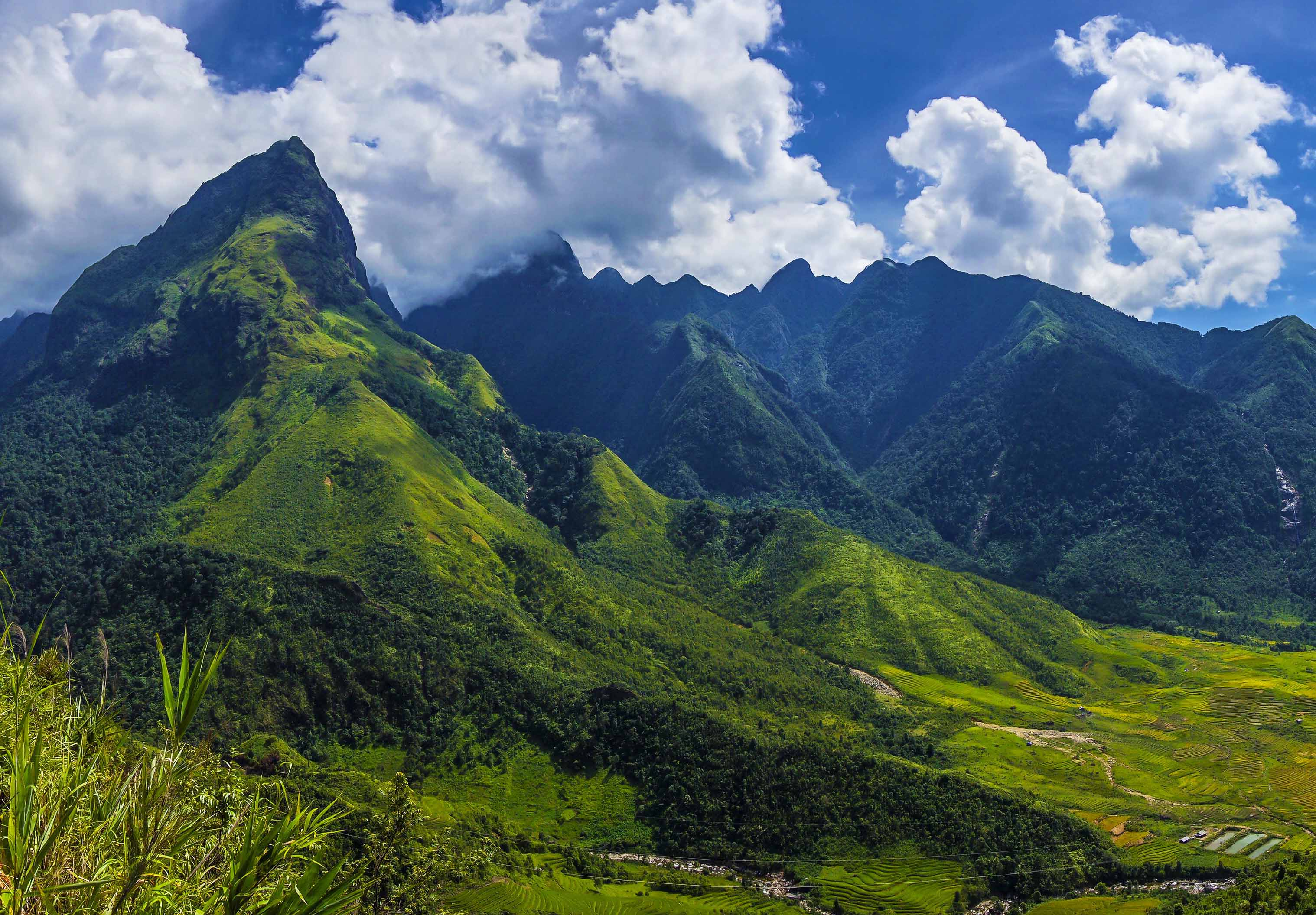 TREKKING MOUNT FANSIPAN – THE ROOF OF INDOCHINA