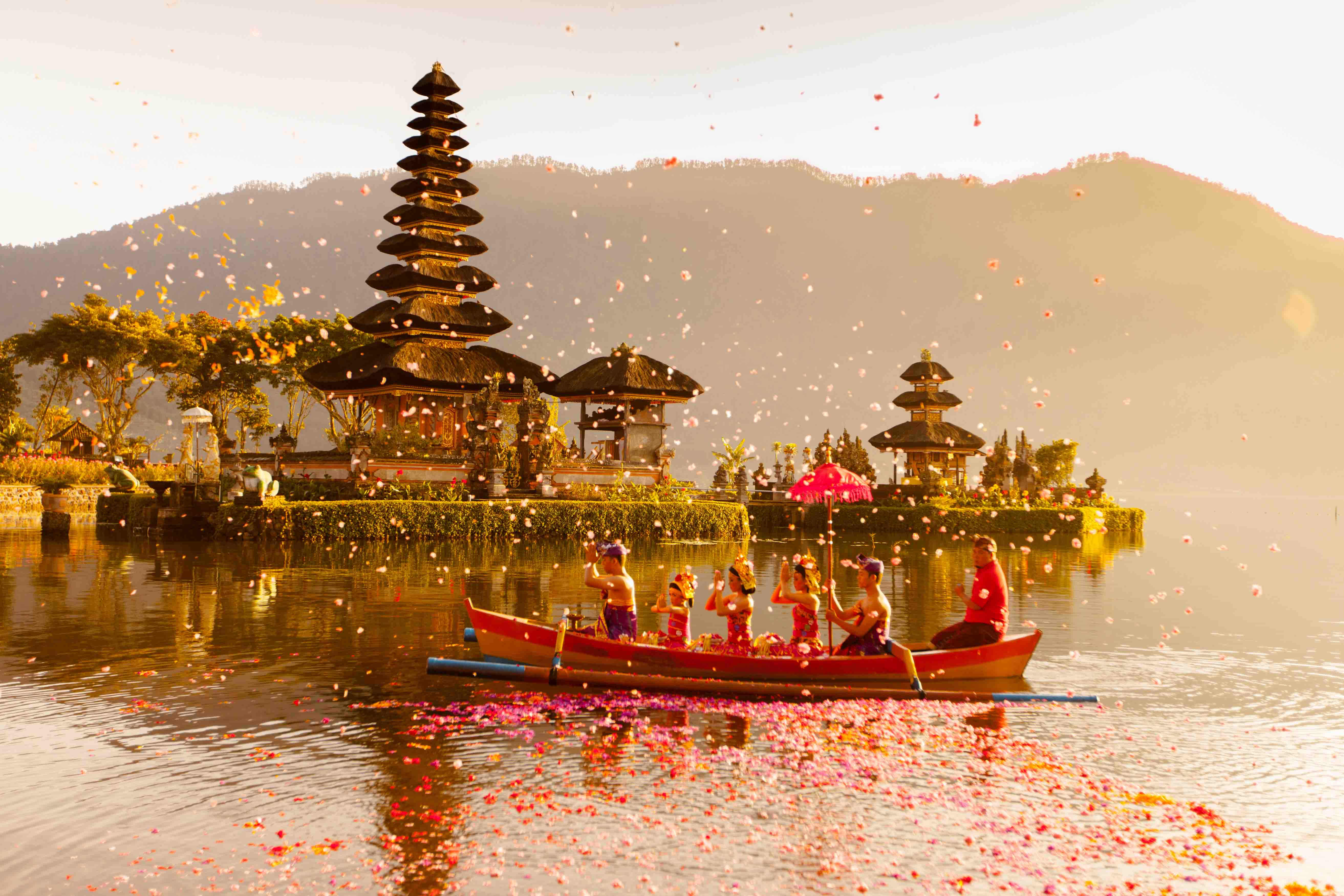 THE MOST AWE-INSPIRING BALINESE TEMPLES TO VISIT