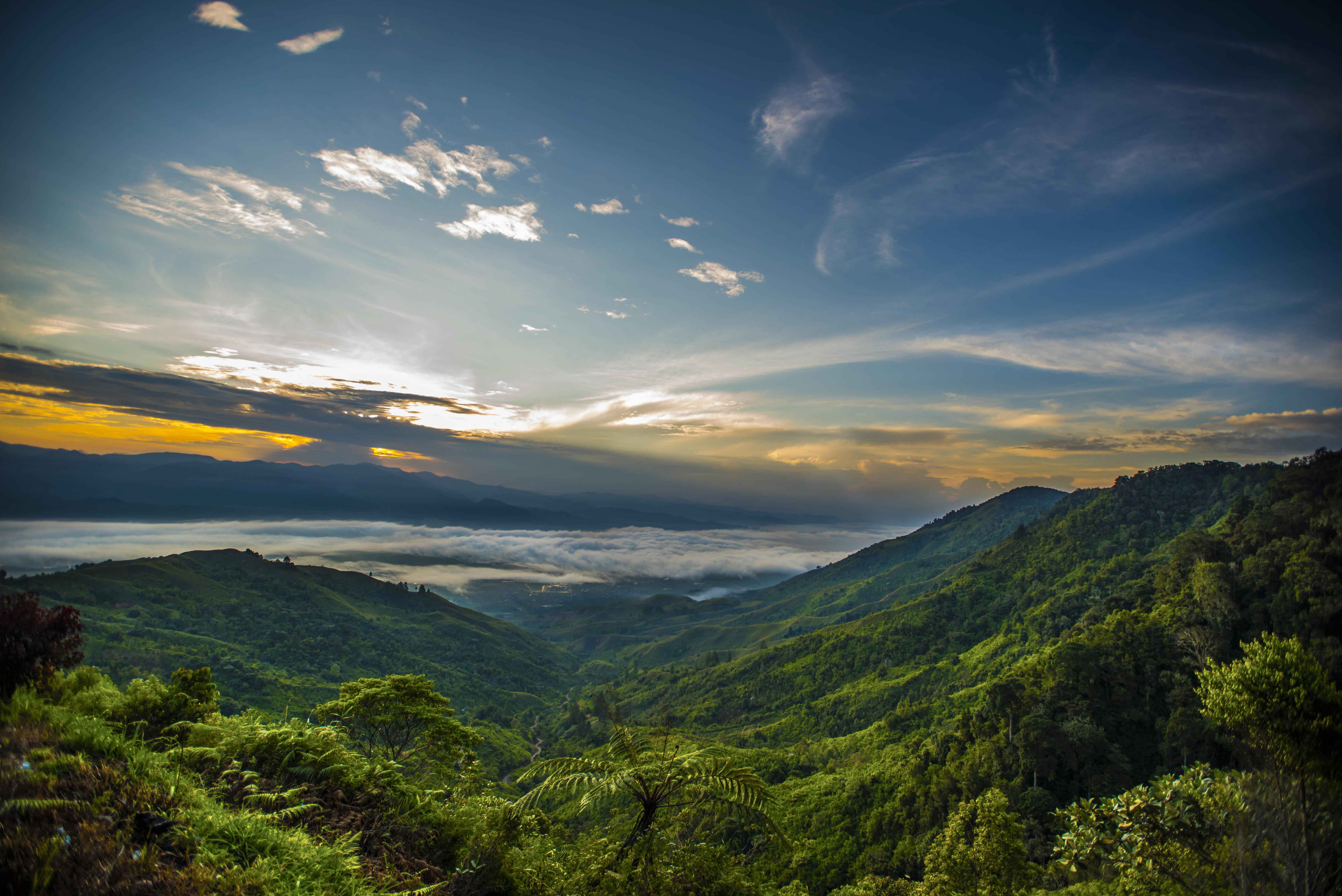 Bukit Barisan The Tropical Rainforest Heritage Of Sumatra Travel Magazine For A Curious Contemporary Reader