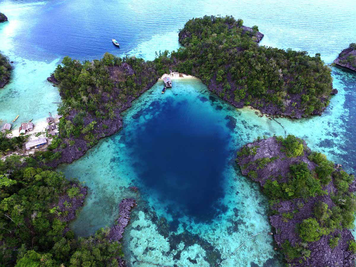 SOUTHEAST SULAWESI – A CORAL PARADISE OFF THE BEATEN TRAIL