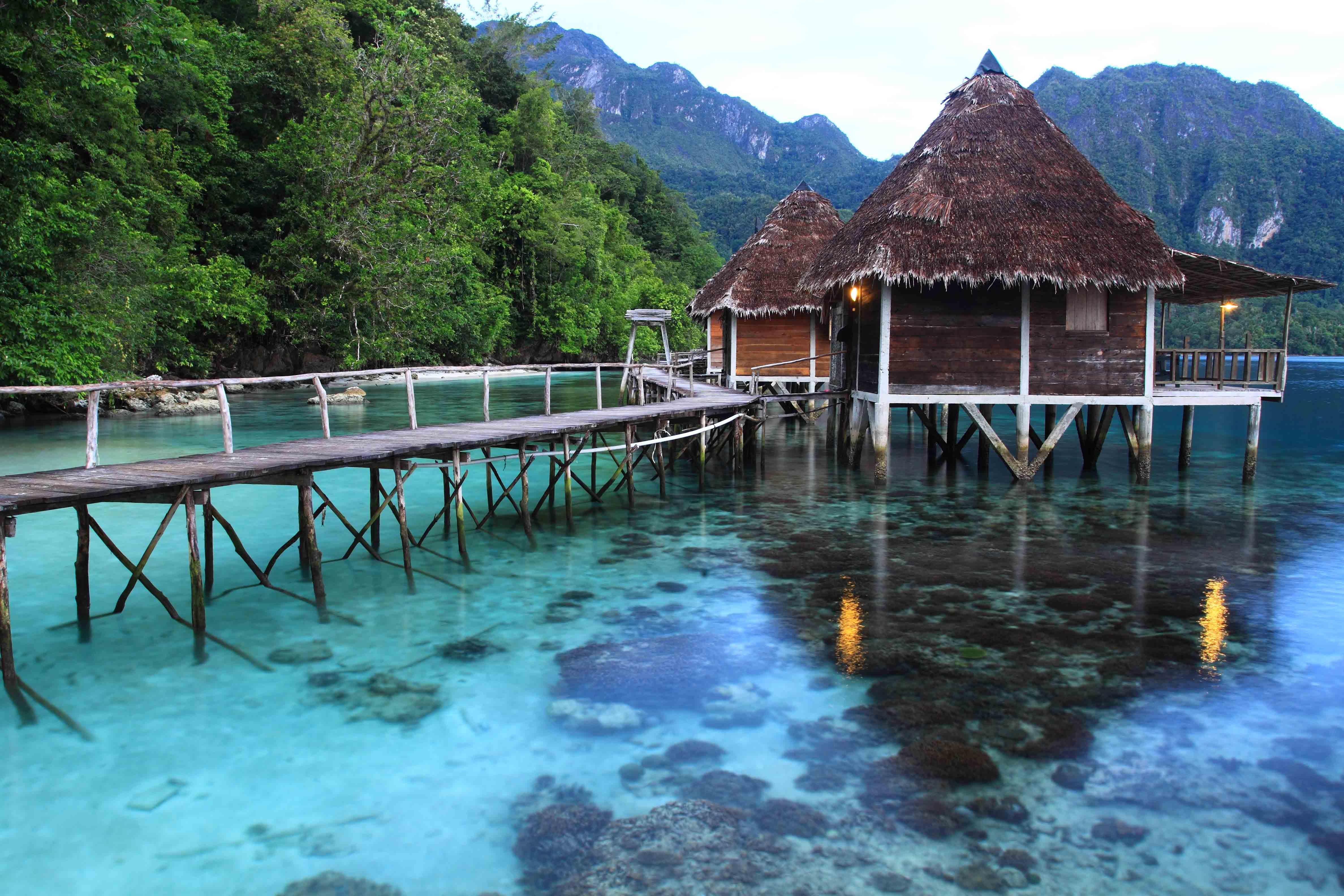 PULAU SERAM & ORA BEACH RESORT (THE LAST EDEN)