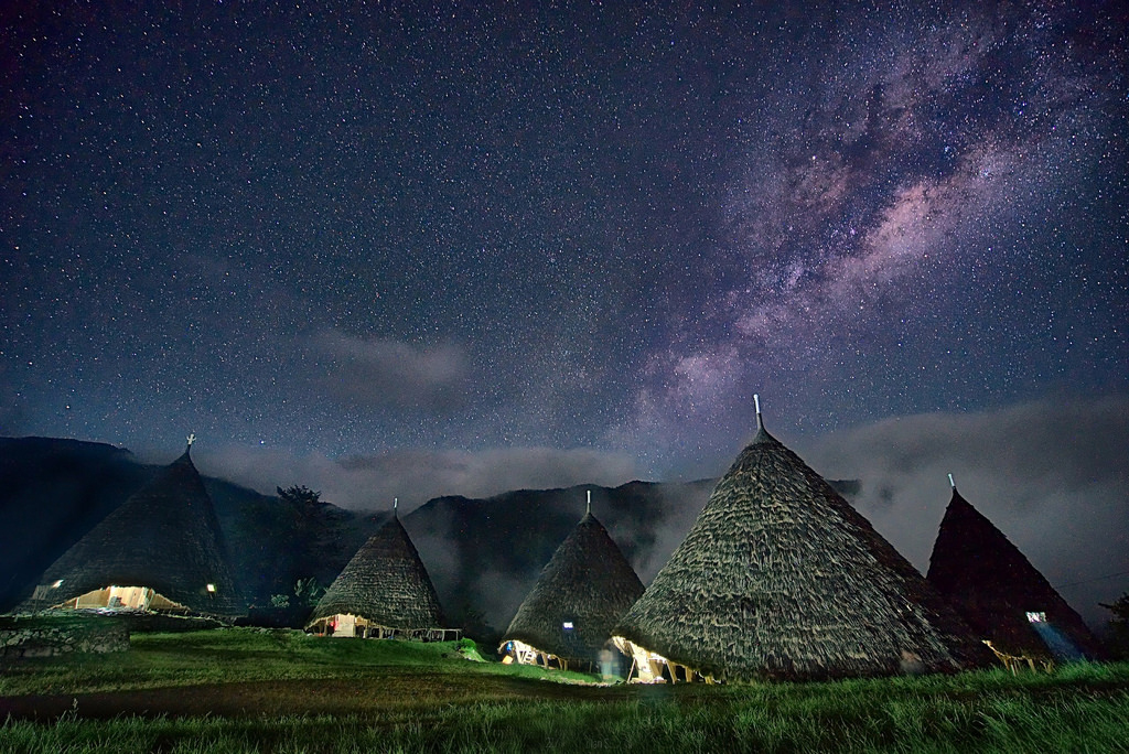 10 BEWILDERING TRIBAL VILLAGES IN INDONESIA (THAT WILL GIVE YOU GOOSEBUMPS)