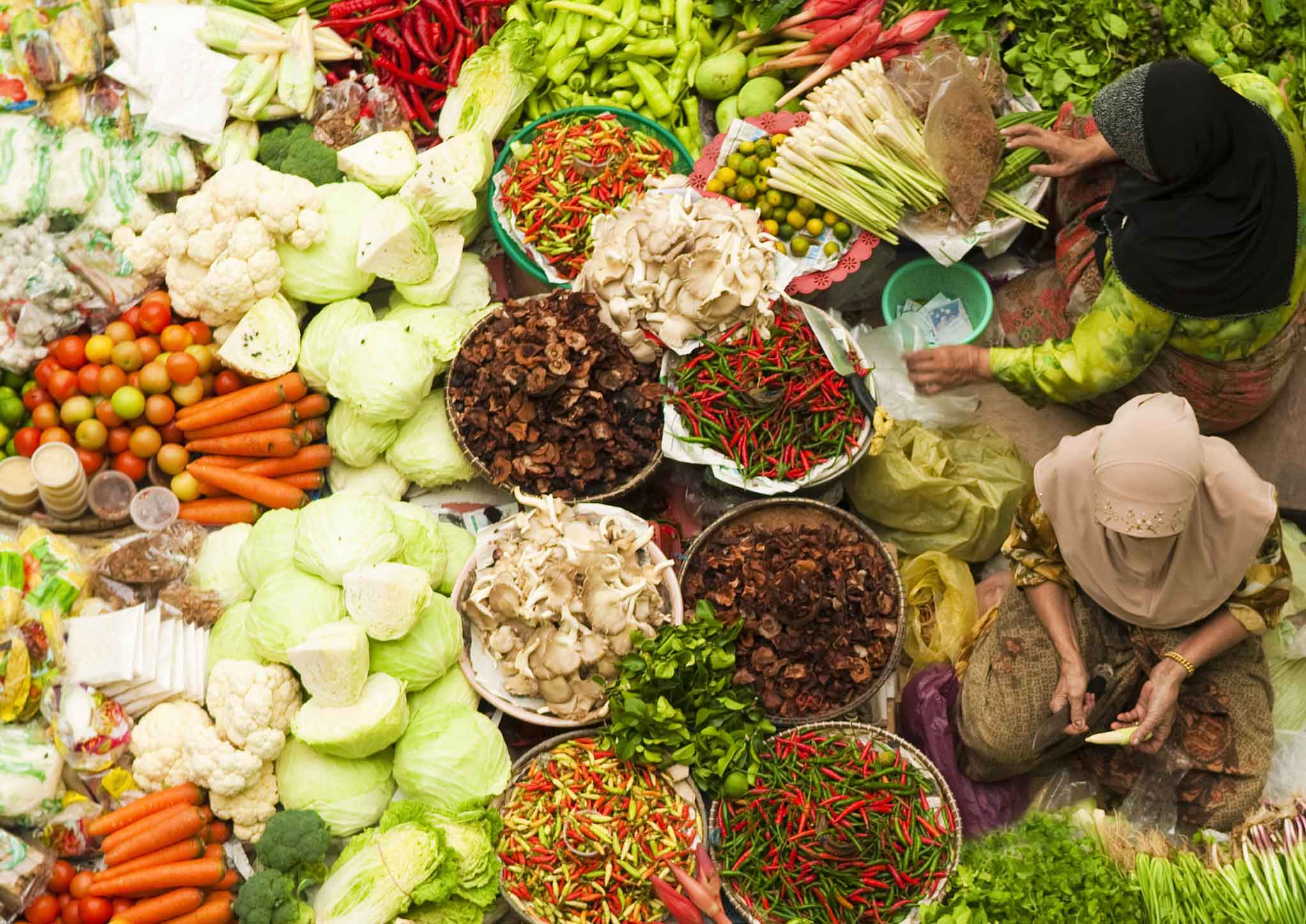 10 EXTRAORDINARY (AND GENUINE) MARKETS TO VISIT IN SOUTHEAST ASIA
